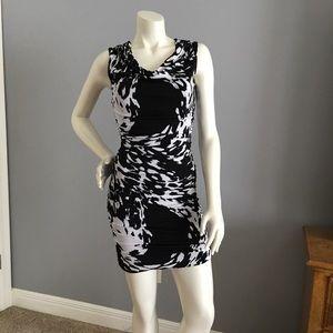 Intermission abstract print dress. Ladies size 6❤️